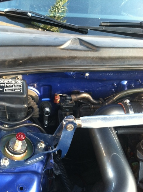 engine bay clean-up with PS reserv. tuck!-2.jpg