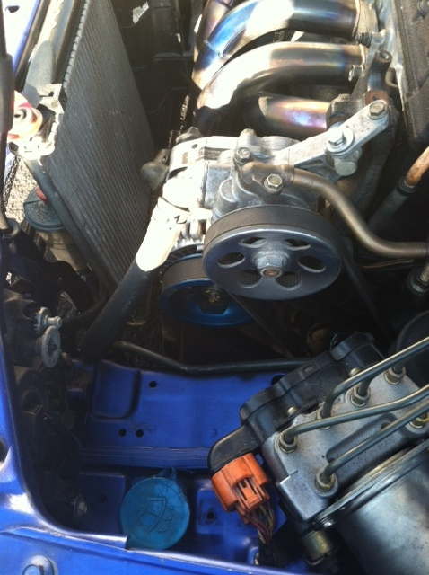 engine bay clean-up with PS reserv. tuck!-8.jpg