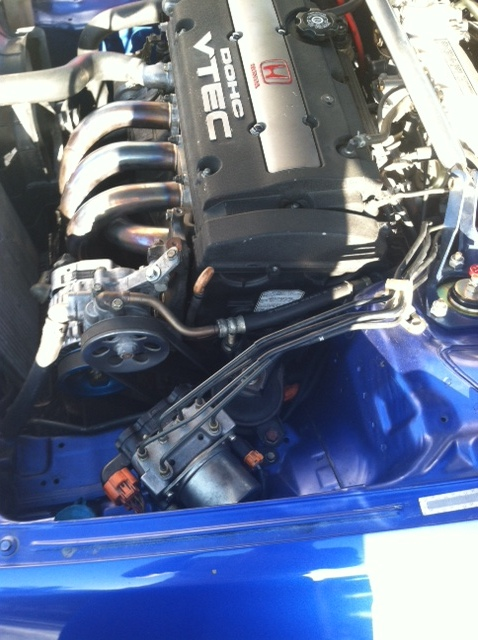 engine bay clean-up with PS reserv. tuck!-9.jpg