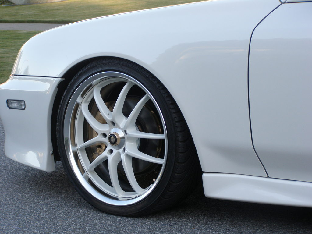 anybody know what kind of wheels these are???-rims.jpg
